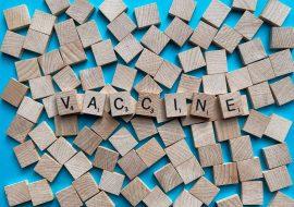 Τη χορήγηση προσωρινού ΑΜΚΑ αποκλειστικά για τη διενέργεια εμβολιασμού προβλέπει τροπολογία